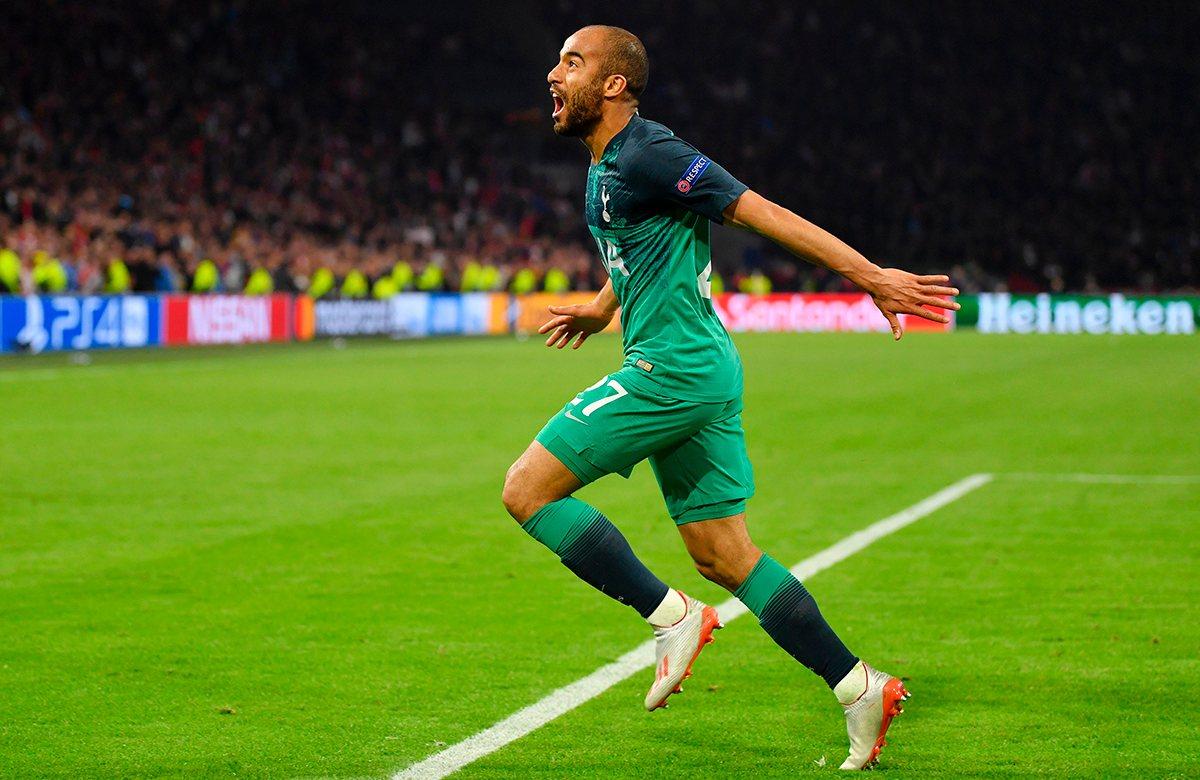Лукас Моура забил три гола в Амстердаме
