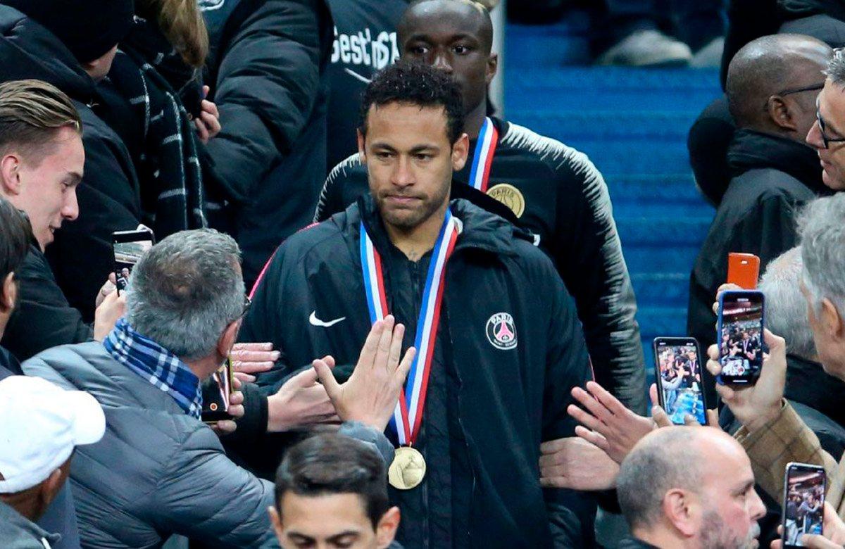 Неймар с серебряной медалью Кубка Франции
