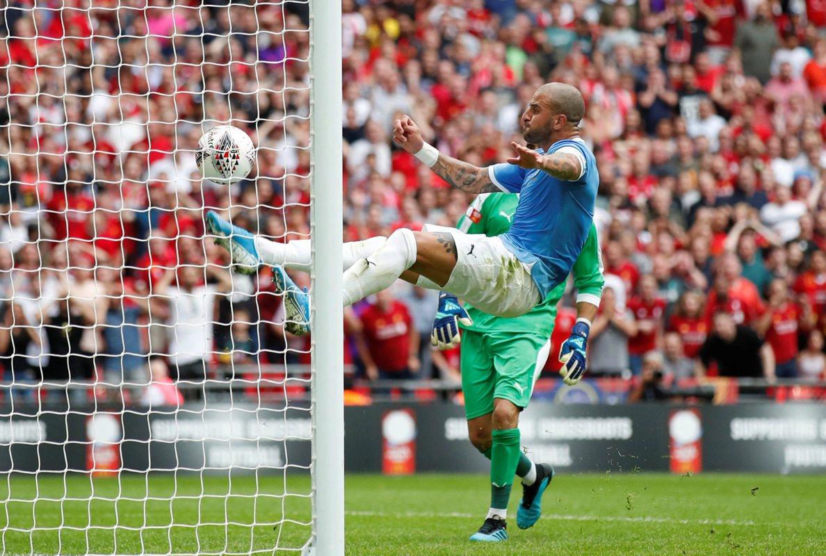 Кайл Уокер во время Суперкубка Англии