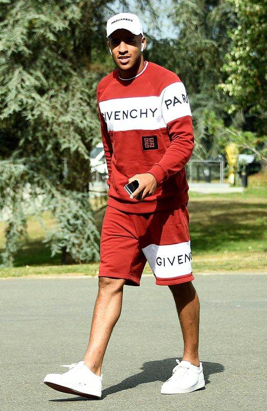Корентен Толиссо в Givenchy прибыл в тренировочный лагерь сборной