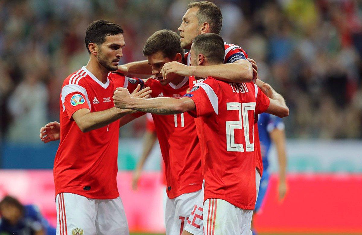 Сборная России поднялась на три позиции в мировом рейтинге