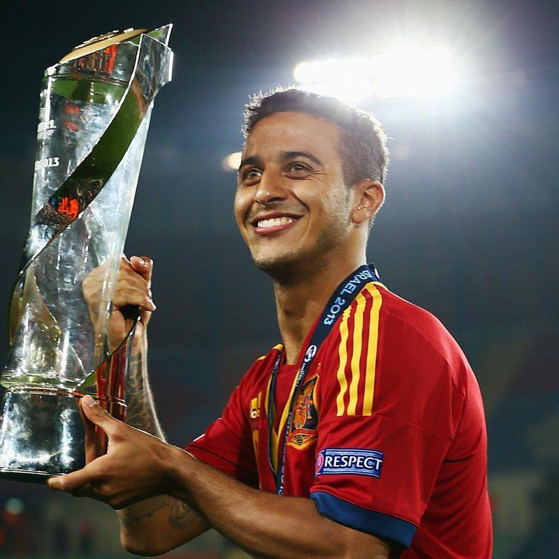 Тиаго Алькантара взял приз лучшему игроку Евро-2013