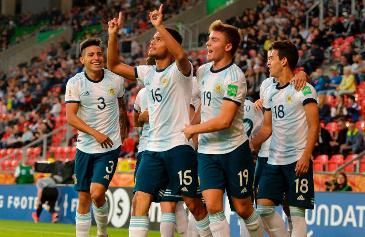 Аргентина крупно переиграла ЮАР