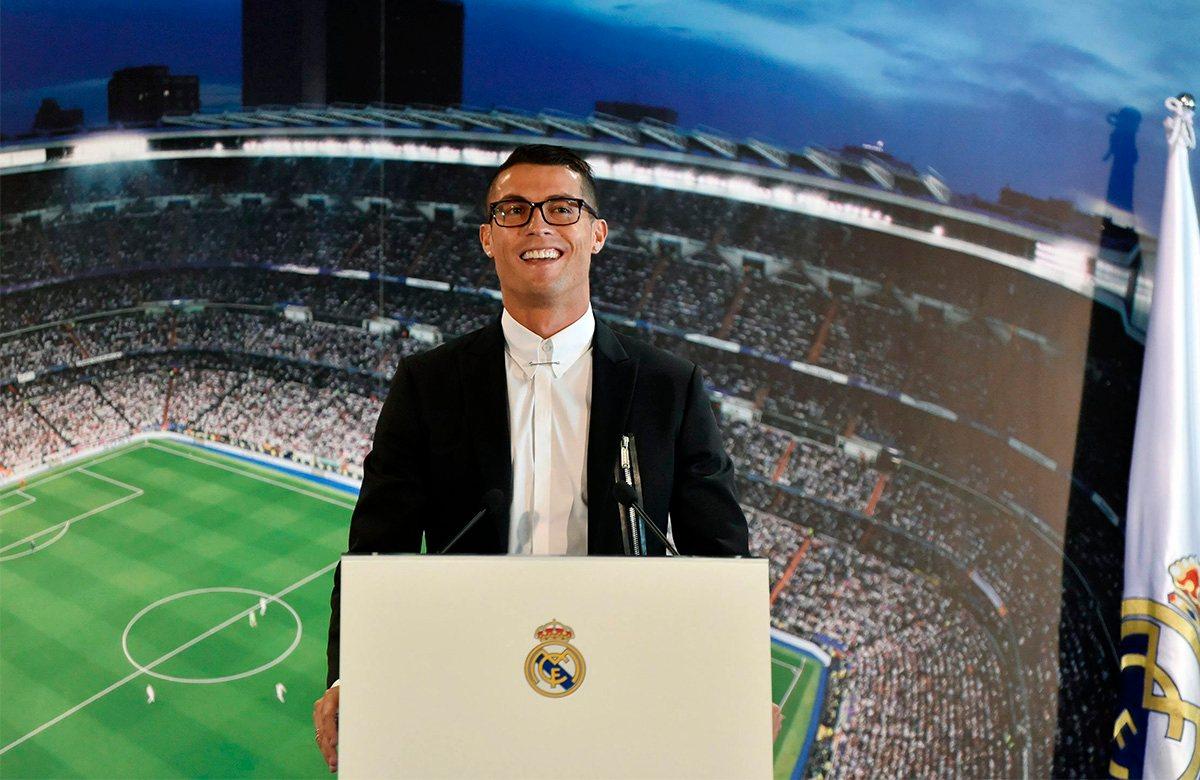 Роналду 10 лет назад перешел в Реал