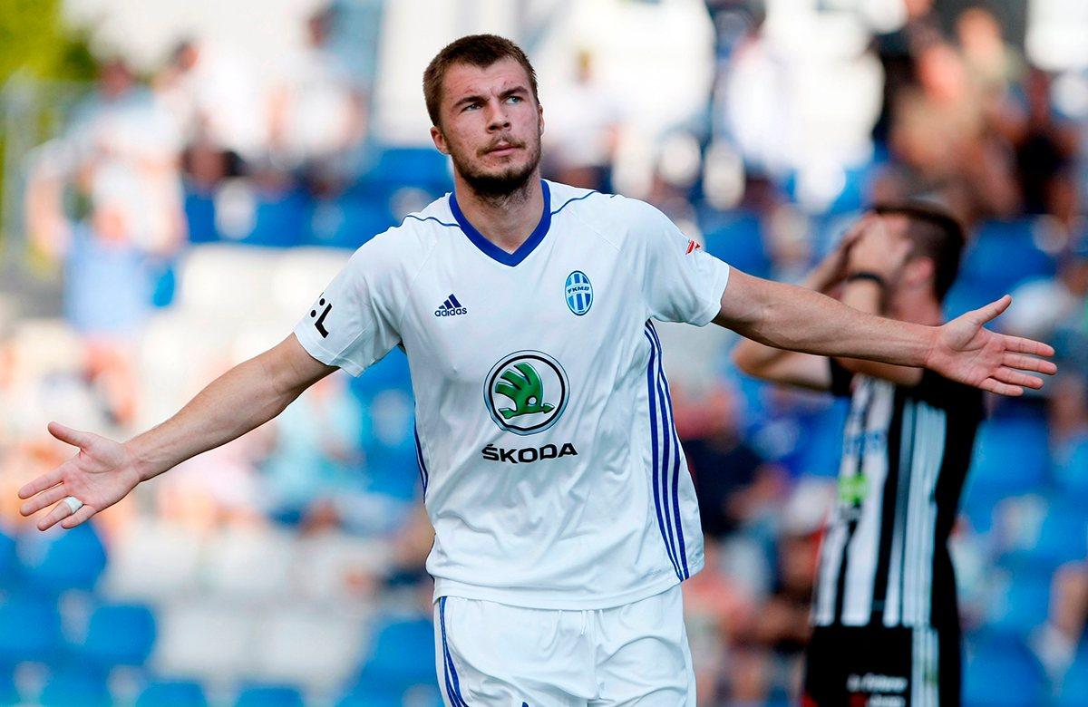 Николай Комличенко оформил покер