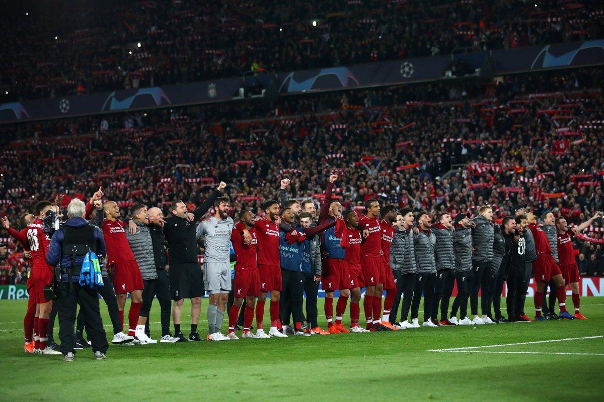 Ливерпуль празднует победу над Барселоной