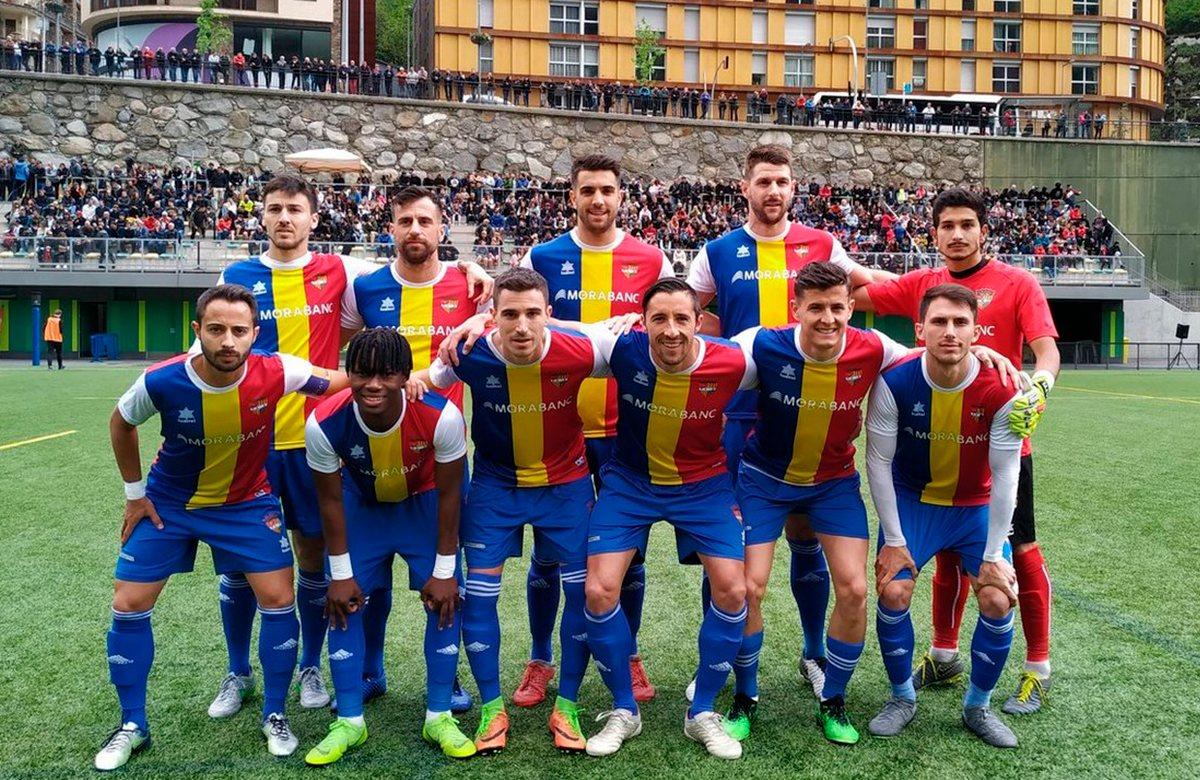 Клуб Пике сыграет в третьей лиге Испании