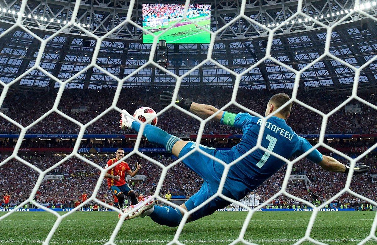 Акинфеев отразил удар Аспаса с пенальти