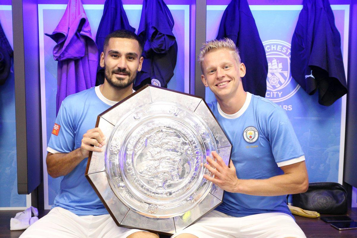 Гюндоган и Зинченко с очередным трофеем