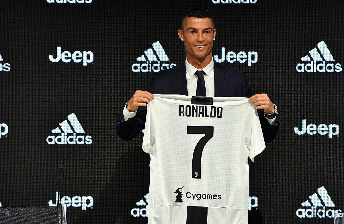 Год назад Роналду перешел в Ювентус