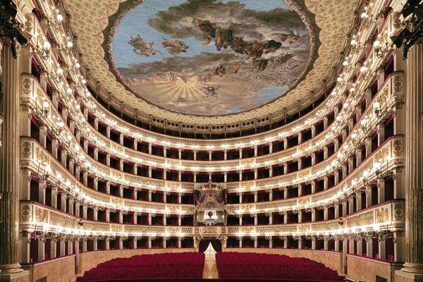 03-Teatro-di-San-Carlo-c-Luciano-Romano_10149b-sito.jpg