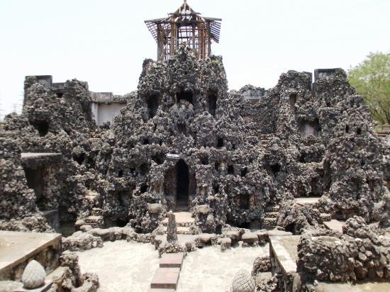 Hasil gambar untuk Taman Sari Gua Sunyaragi