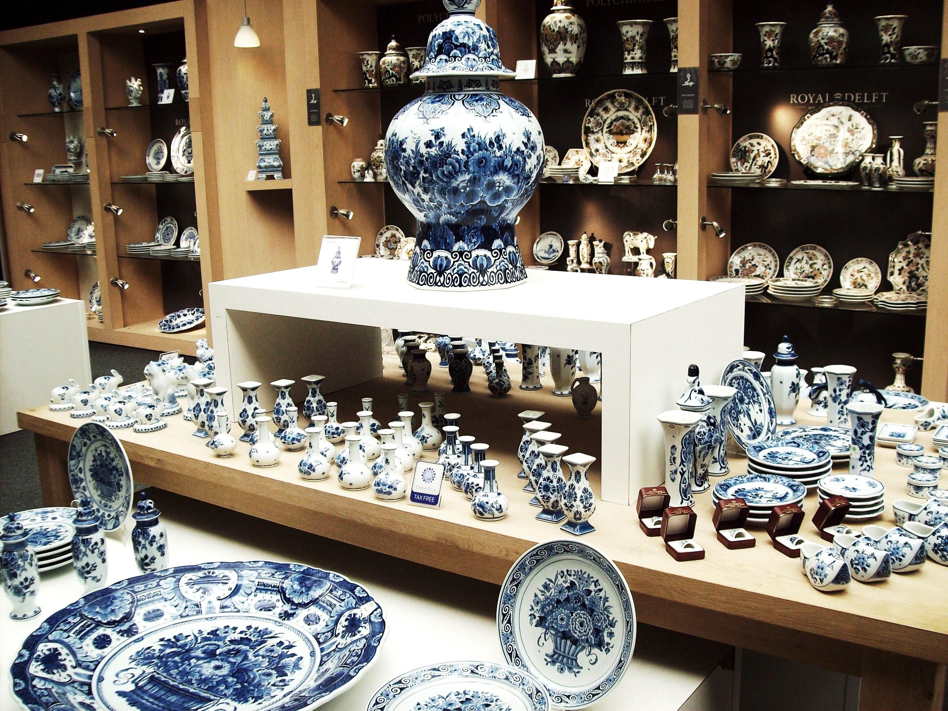 16 Oleh-oleh Khas Negara Belanda - TempatWisataUnik.com d6c16126f5