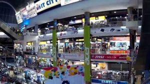 13 Wisata Belanja di Bangkok yang Murah
