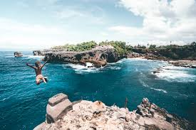 Blue Lagoon Cliff