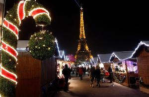 berkunjung ke paris