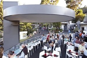 the wine bar at the hollywood bowl
