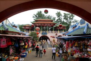 Wisata Kampung Cina Cibubur Yang Wajib Dikunjungi Tempatwisataunik Com