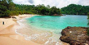 Pantai Teluk Hijau (Green Bay)