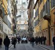 11 Tempat Wisata Belanja di Italia yang Terkenal