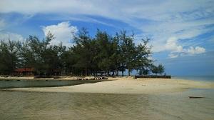 16 Tempat Wisata Pantai di Kalimantan Tengah yang Wajib Dikunjungi