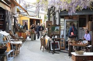 12 Tempat Wisata Belanja di Paris yang Terkenal dan Lengkap