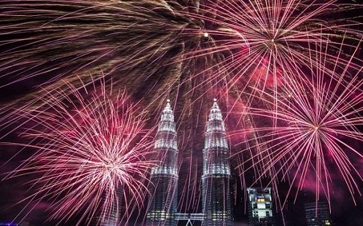 7 Wisata Terbaik Di Malaysia Untuk Menyaksikan Pesta Kembang Api Tahun Baru