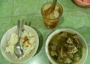 Sop Ayam Pak Min