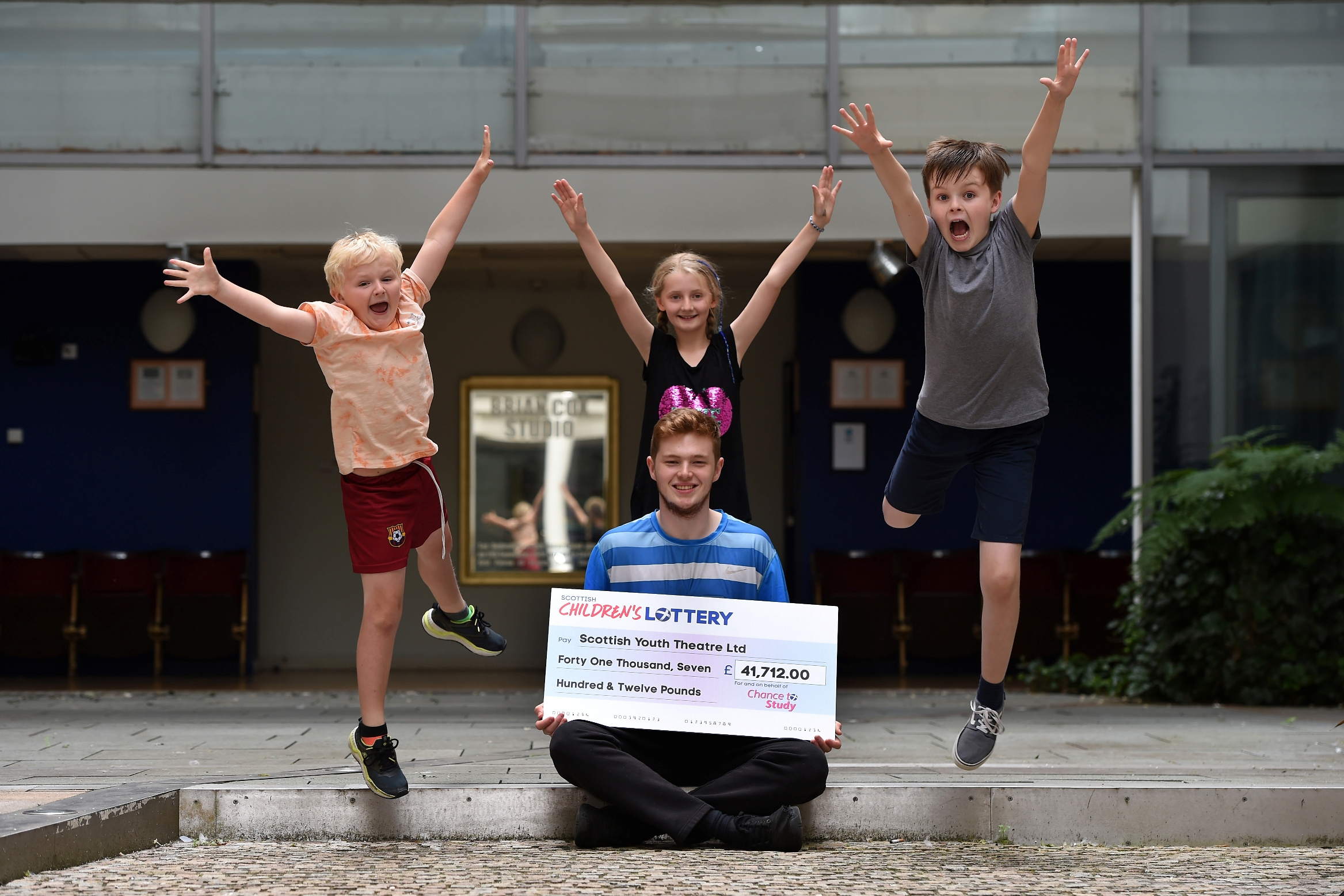 Scottish Youth Theatre reaches out to disadvantaged youth