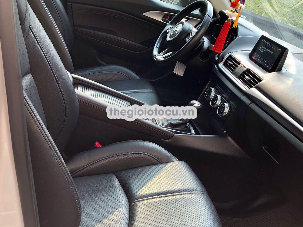 Mazda 3 2017AT