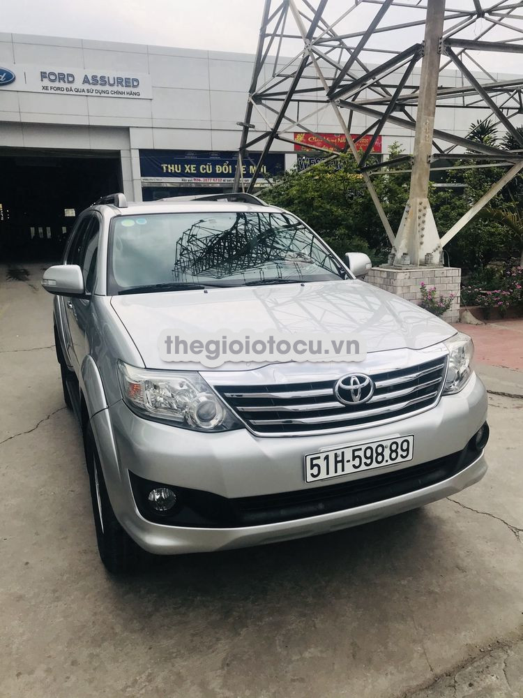 Toyota Fortuner 2012AT