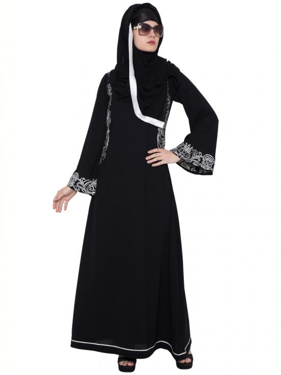 Nida Matte Ambreen Embroidered Abaya in Black and White