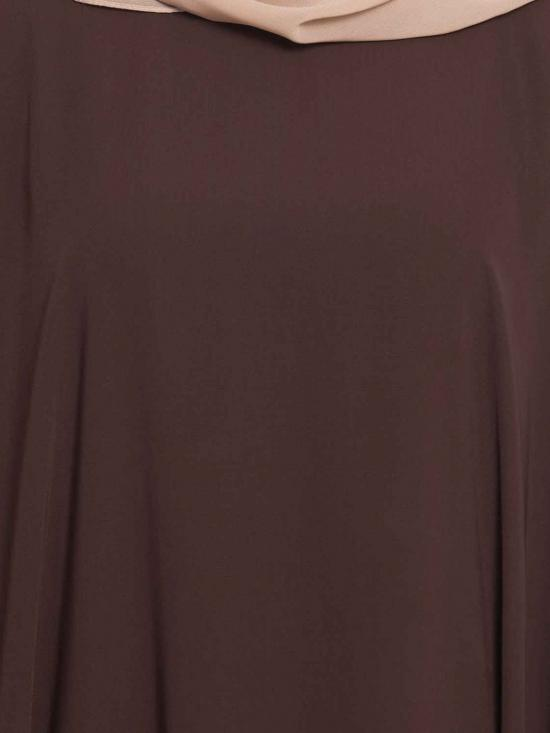 Premium Nida Noriza Elegant Kaftan With Contras Detailing On Sleeves in Dark Brown