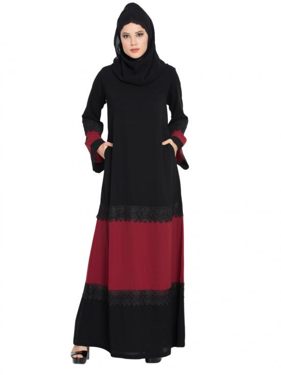Nida Matte Abaya With Inserted Panels In Contrast Black And Maroon