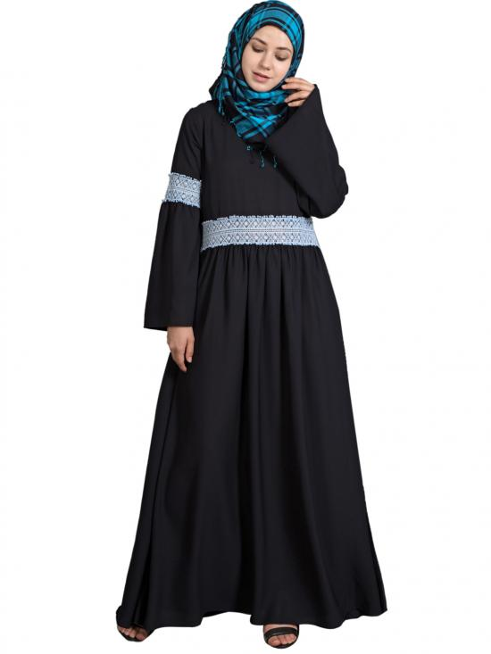 100% Polyester Crepe Lace At Waist And Sleeve Abaya In Black