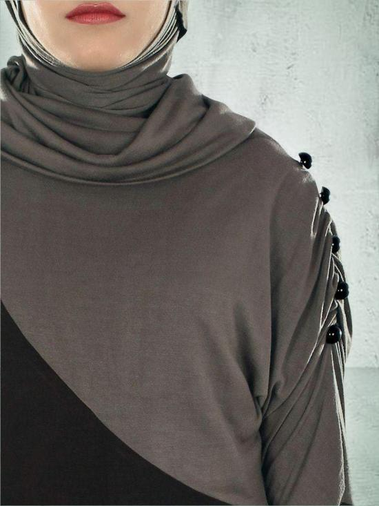 Razan Jersey Straight abaya with cowl neck In Black