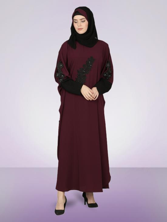 100% Polyester Crepe Patch Contrast Cuff Kaftan In Wine And Black