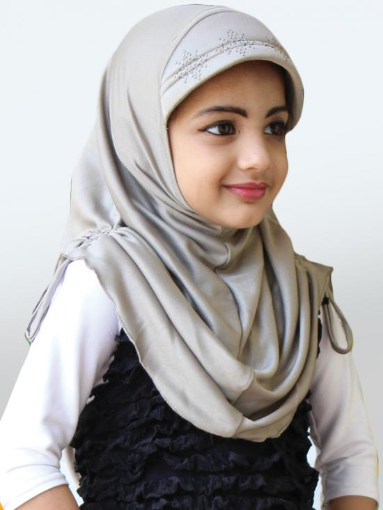Little Heena Soft Knitted Icra Fabric Hijab In Silver