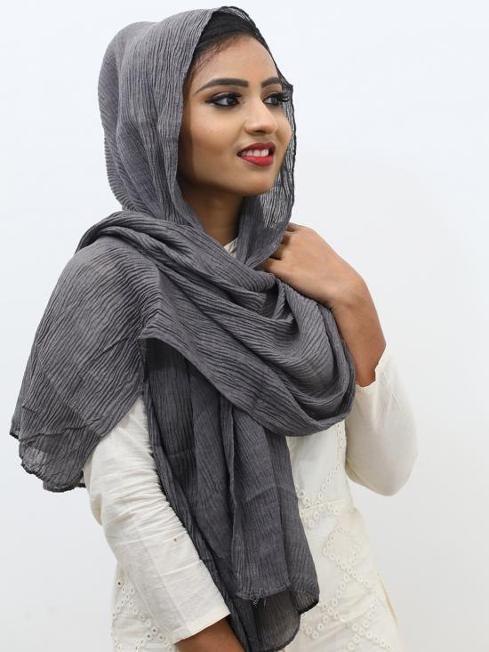 Crinkled Cotton Plain Stole In Grey