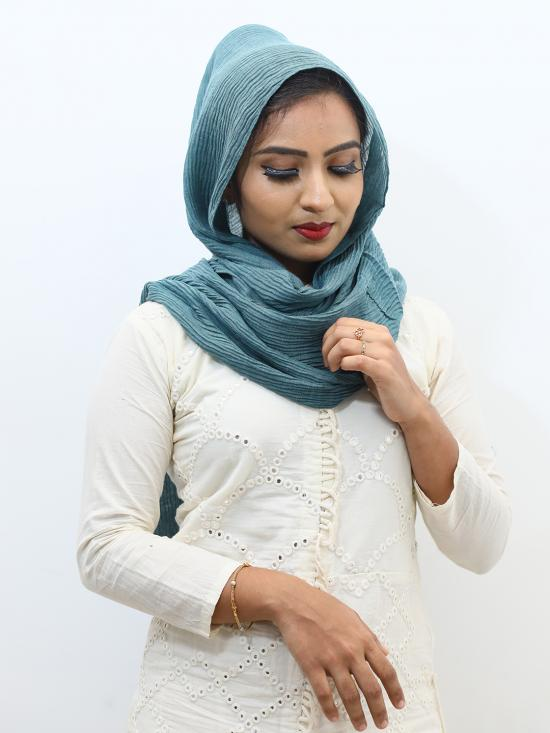 Crinkled Cotton Plain Stole In Turquoise
