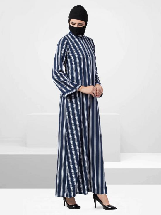 Crepe Modest Abaya With Zipper Opening On Yoke In Blue And White