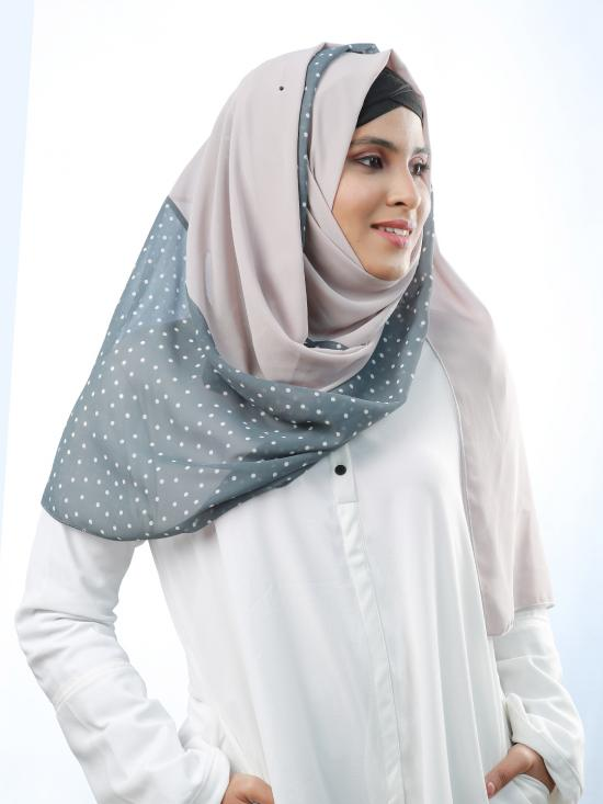 100% Polyester Double Shaded Stole With Polka Dots In Light Grey And Light Dusty Rose