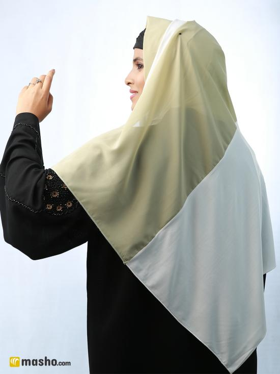 100% Polyester And Lycra Double Shade Stole In Light Khaki And White