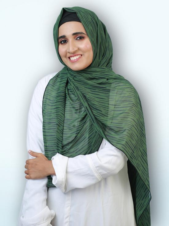 100 % Polyster Stole In Green And Black