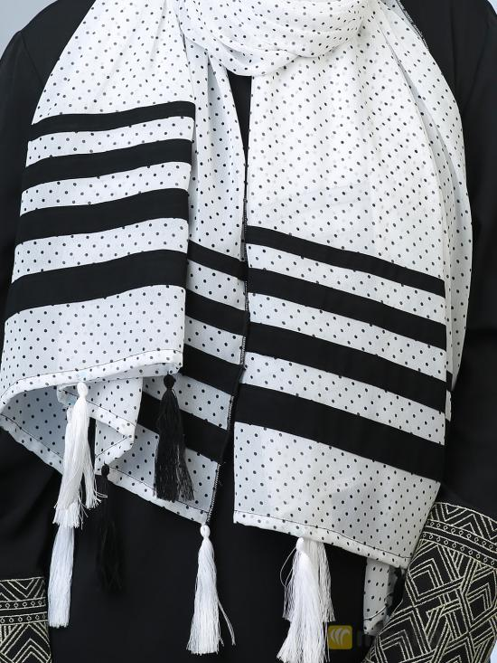 100 % Polyster Stole With Polka Dots And Tessel Work In White And Black