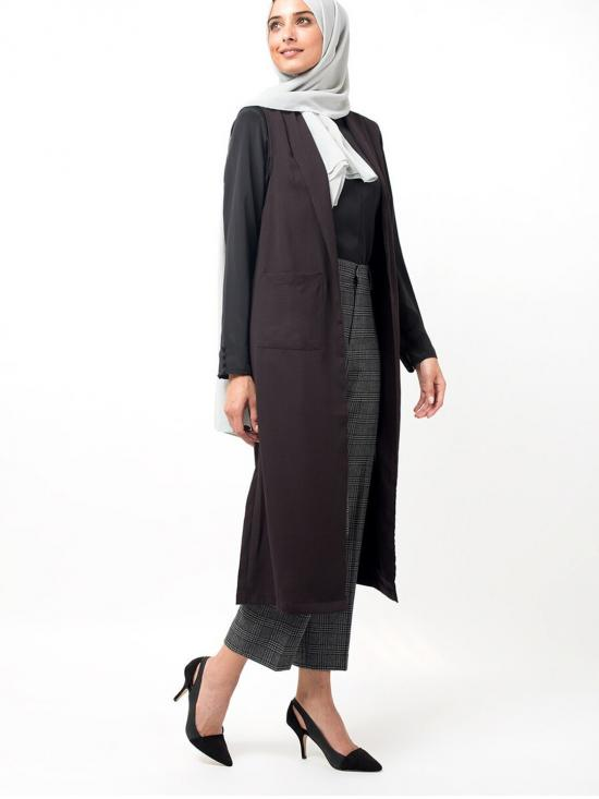 100% Polyster Summer Outerwear With Sleeveless In Deep Plum