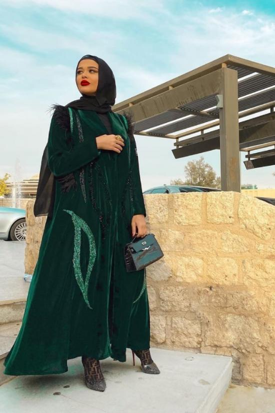 top-abaya-trend-for-2020-fustany-ar-4