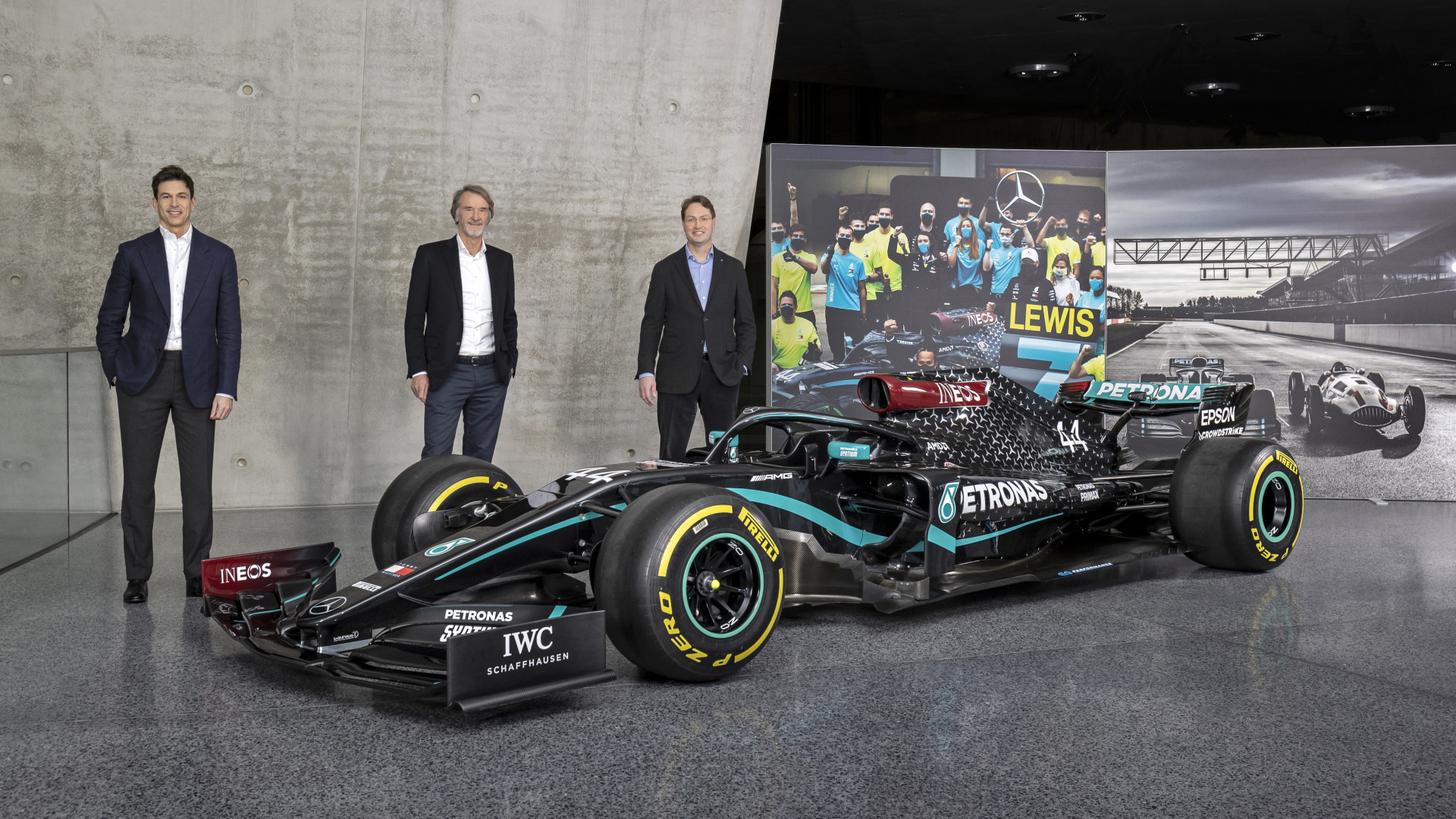 Toto Wolff, Sir Jim Ratcliffe And Ola Källenius With The Mercedes Amg F1 W11 Eq Performance