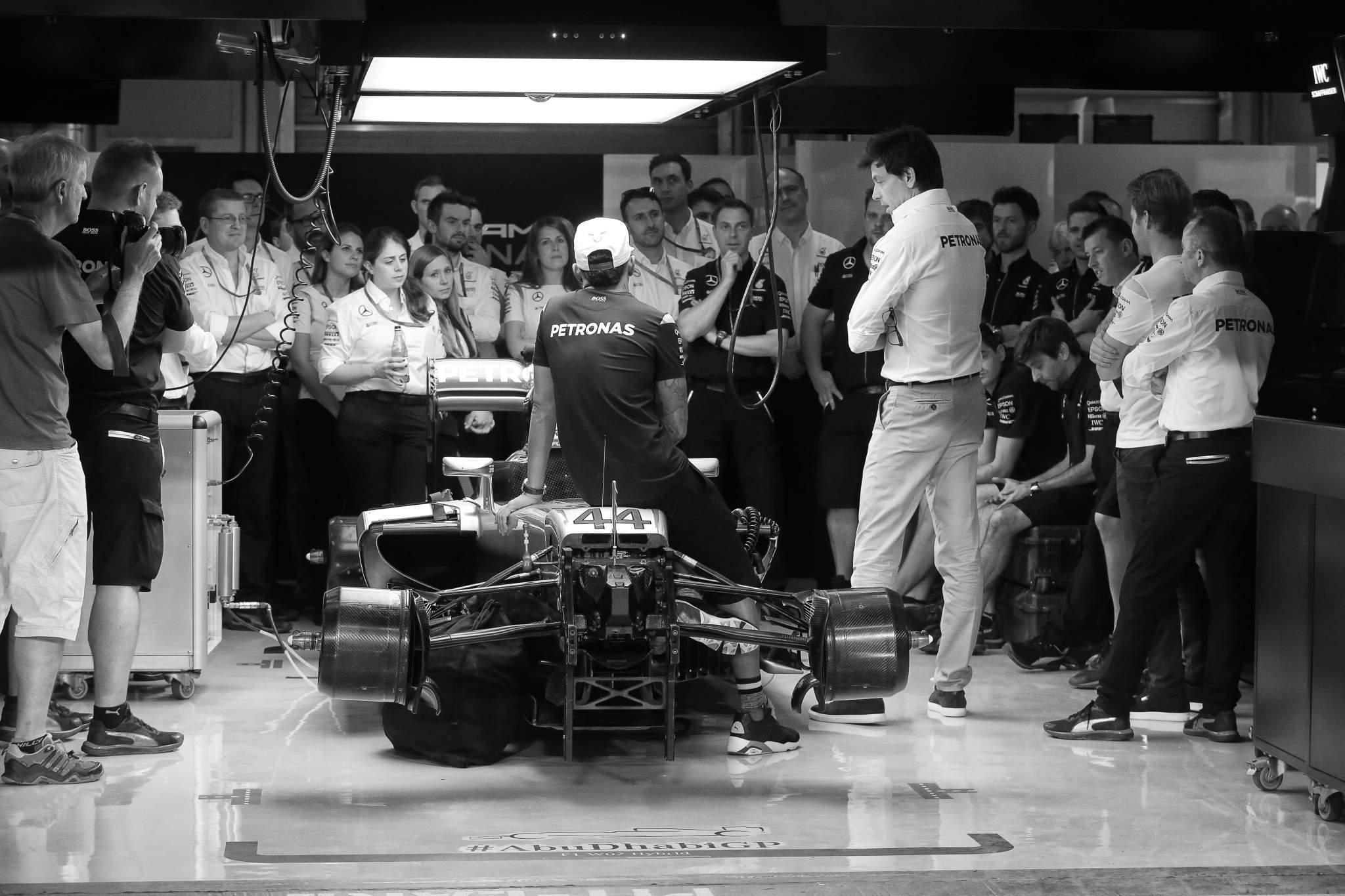 Mercedes F1 team meeting 2016