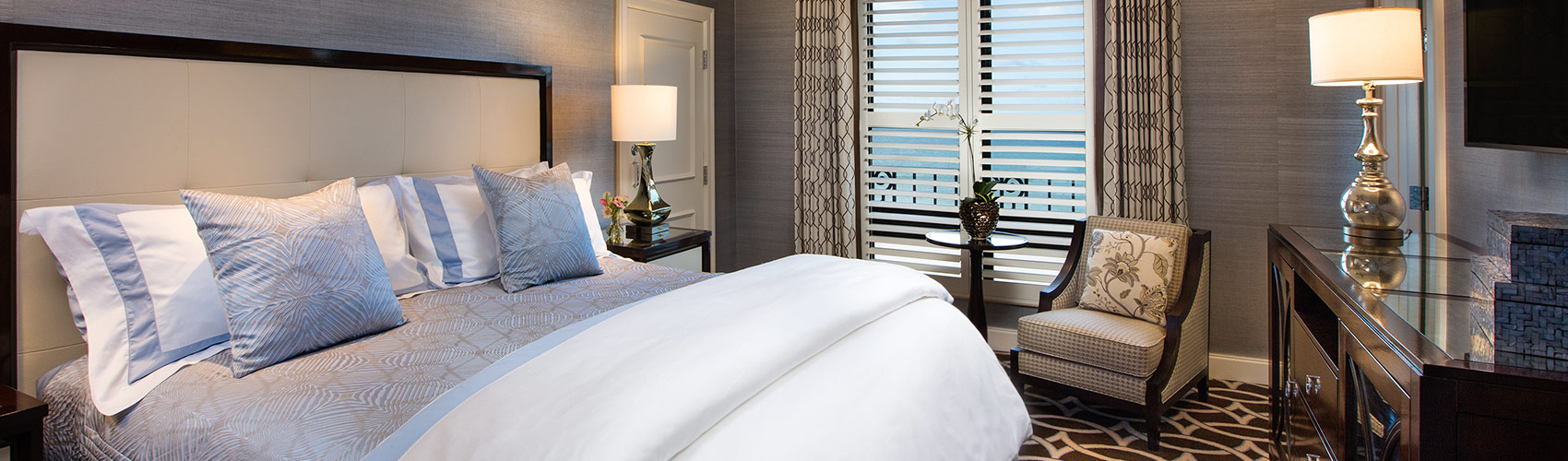 Flagler Club Guest Room with Ocean View bed
